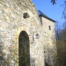 Burg-Zugang  vom Ort Winterburg aus