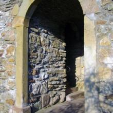 Von freiwilligen Helfern gebaut: Burg-Zugang von Winterburg aus.